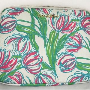 Lilly Pulitzer- Floral Tech Clutch